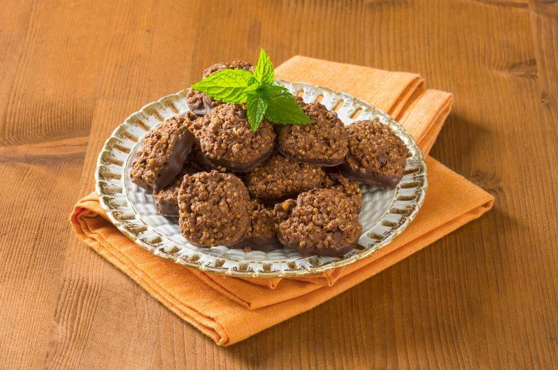 Chocolate Peanut Butter Quinoa Cookies