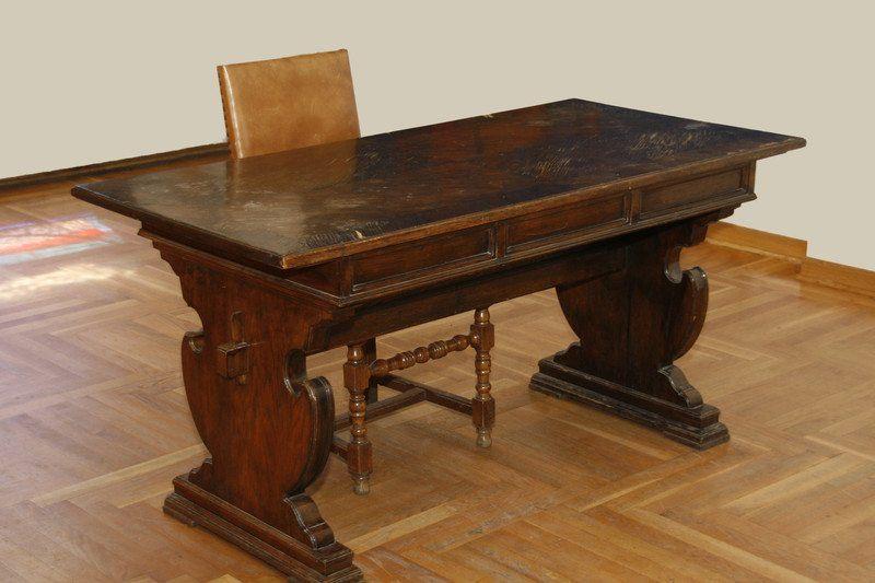 remove scratches wood furniture