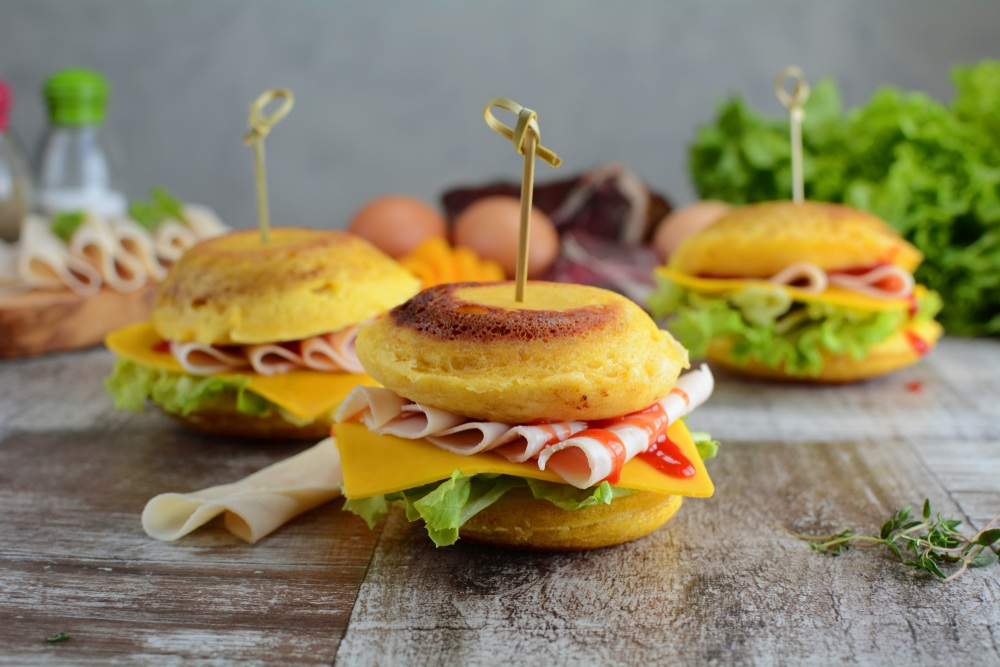 Keto burgers made with 90 second bread