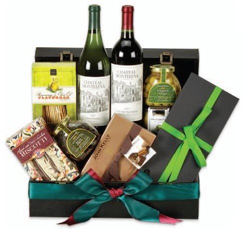 Trunk with wine, snacks and a bow
