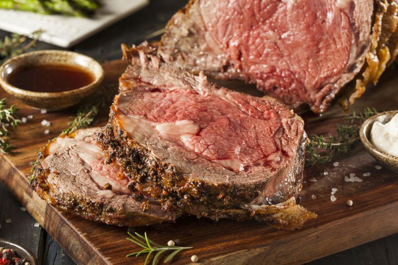 Medium rare roast beef that has been sliced