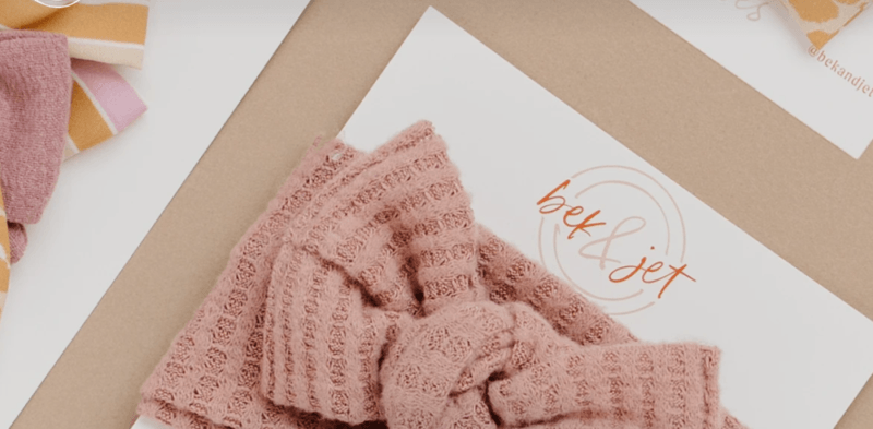 Bek + Jet Subscription showing a pink bow