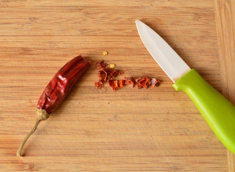Chopping the chili