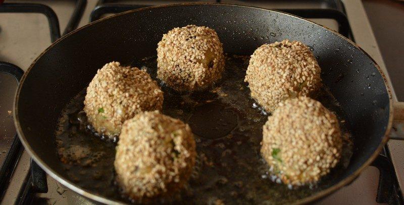 Cook the lentil falafel