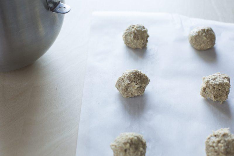Crispy Oat Cookies Dessert Prep Baking Balls Wax Paper