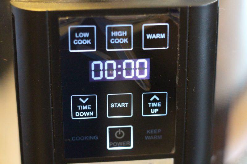 crock-pot-6-5-quart-programmable-touchscreen-slow-cooker-on