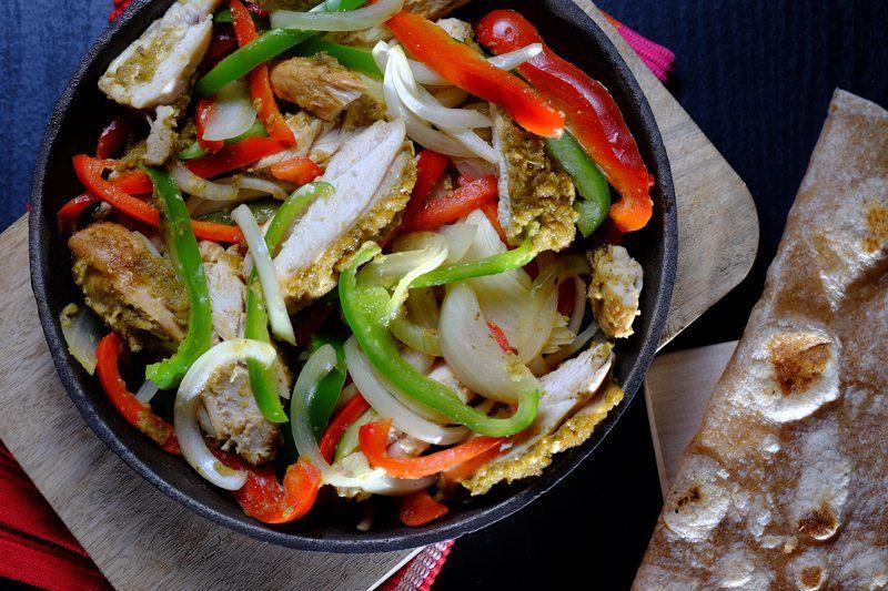 Slow Cooker Jerk-Spiced Chicken Fajitas