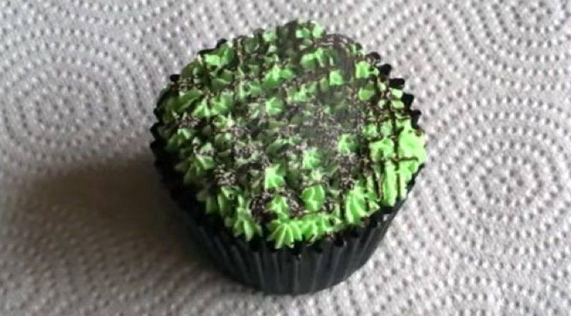 Dinner Mint Chocolate and Mint Cupcakes final sugar