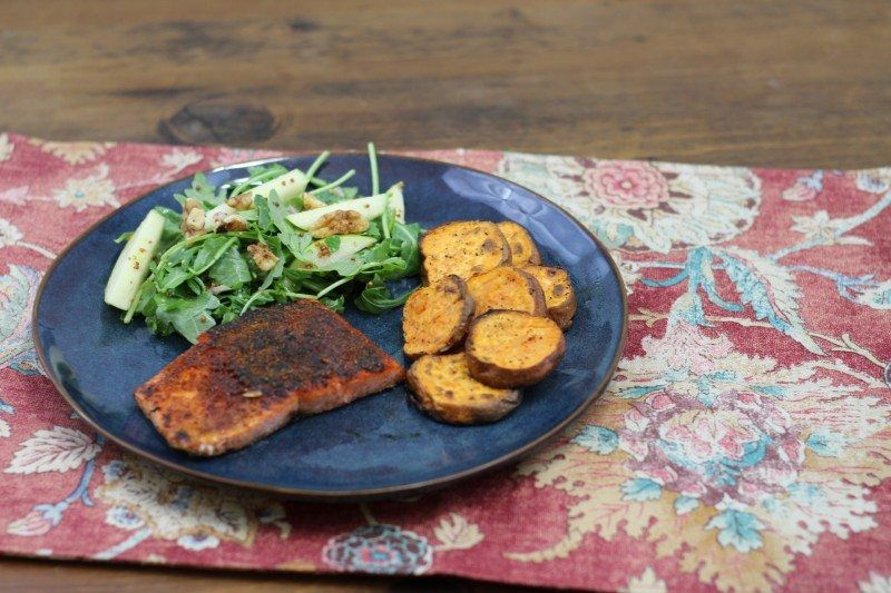 bbq spiced salmon sweet potato rounds final 1