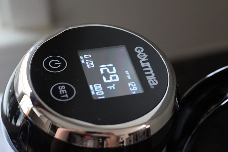Gourmia GSV130 face. You can see the set time, work time, and temperature in fahrenheit