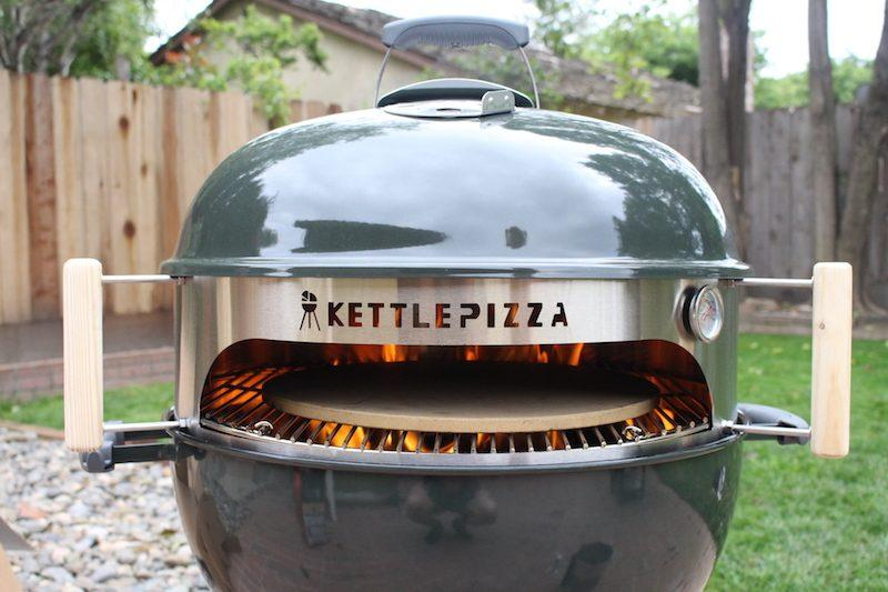 kettlepizza charcoal with wood chunks burning