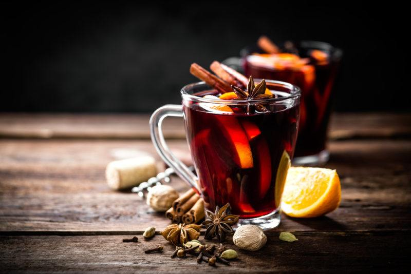 Two glass mugs of mulled wine