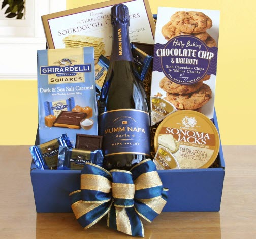Blue box with wine, chocolate and cookies