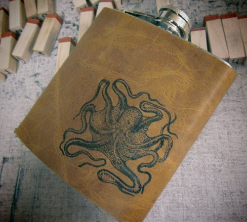 Light brown flask with an octopus