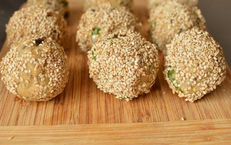 Shape the lentil falafel balls 2