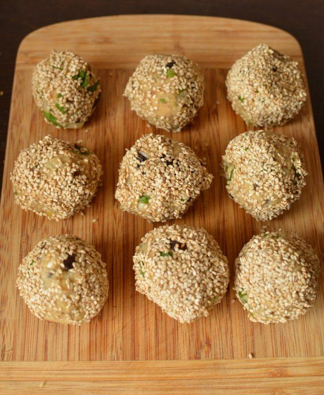 Shape the lentil falafel balls