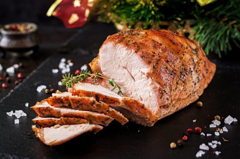 Roast turkey with turkey slices