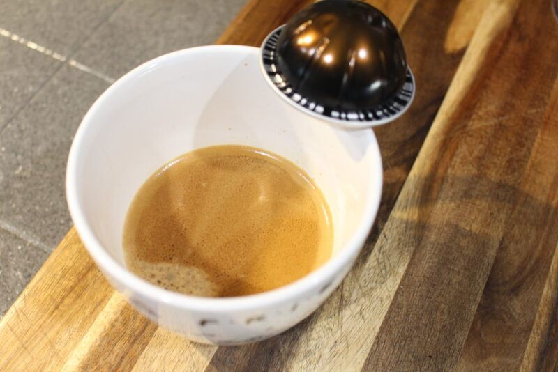 doppio espresso scuro in coffee cup