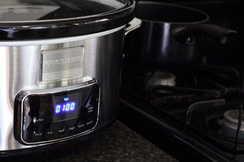 frigidaire-7-quart-slow-cooker-on