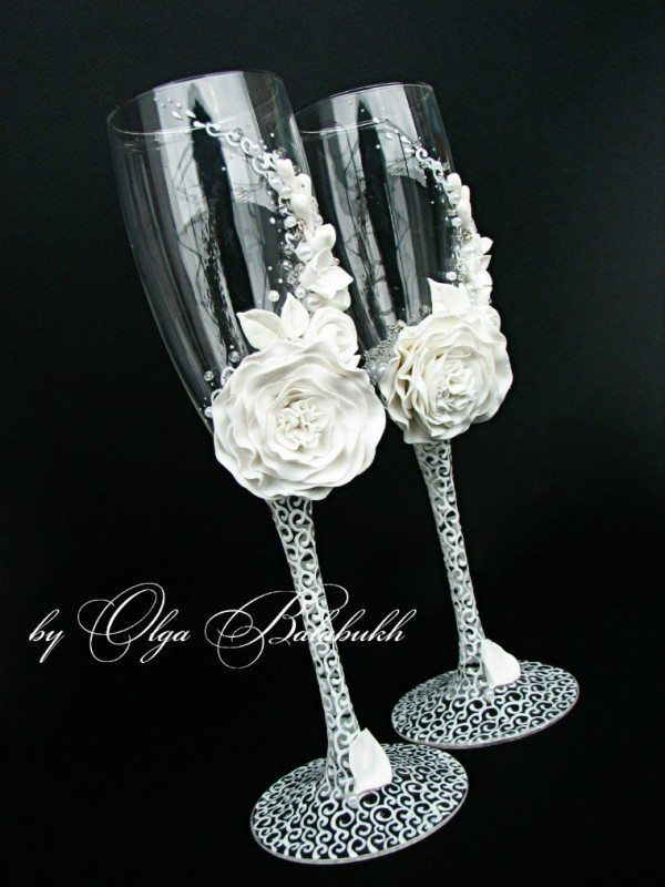 White Flower Champagne Glasses
