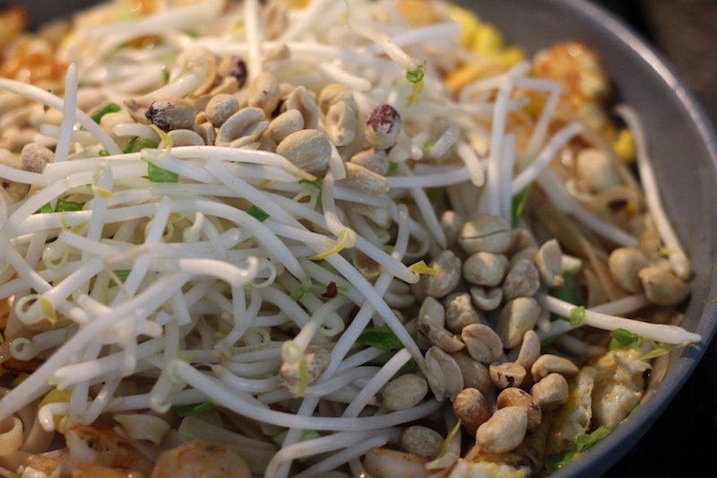 pad thai add mung beans