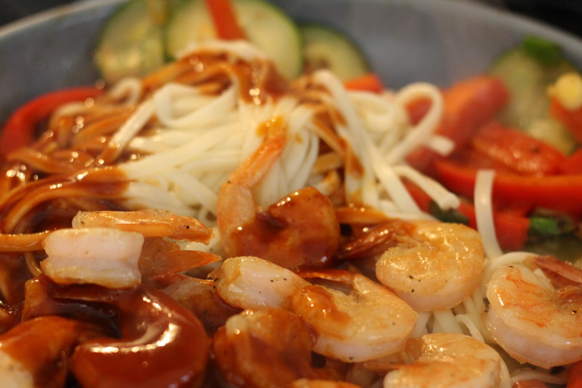 sriracha shrimp with veggies cooking