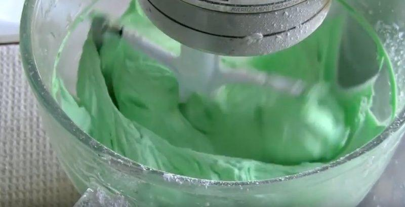 thin mint girl scount cupcakes frosting 2